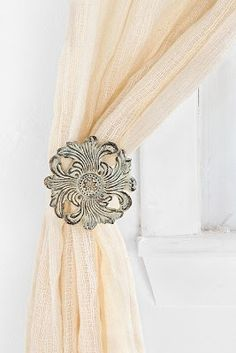 1 Pair Antique Solid Brass Curtain Tie Back Hooks Pointer Dog Breed Style