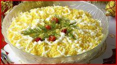 """Salată clasică """"Mimoza"""" este un aperitiv foarte popular și preferat de mulți dintre noi. Astăzi însă, vă îndemnăm să plecați de la rețeta tradițională și să pregătiți salata cu brânză topită. Din cele mai accesibile ingrediente obțineți un aperitiv deosebit de delicios, aromat și aspectuos. Acesta este perfect pentru a fi servit la masa de sărbătoare. INGREDIENTE -1 cutie de pește conservat -1 ceapă -1 pachețel de brânză topită -maioneză (maioneză de casă) -5 ouă -2 cartofi Notă:VeziMăsurarea Macaroni And Cheese, Food And Drink, Ethnic Recipes, Diet, Romanian Recipes, Mac And Cheese"""