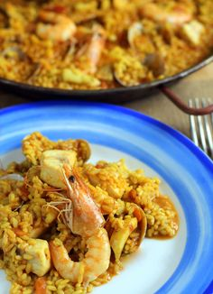 Paella fácil de pescado y marisco. Receta Beautiful Soup, Fish And Seafood, Couscous, Macaroni And Cheese, Shrimp, Recipies, Food And Drink, Rice, Yummy Food