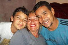 Minha cunhada Hilda e sobrinhos Hudson e Hilton