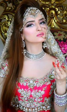 Kashee's Bridal Boutique Bridal Makeup Looks, Indian Bridal Makeup, Bridal Looks, Pakistan Bride, Pakistani Bridal Wear, Asian Bride, Wedding Beauty, Wedding Makeup, Bridal Boutique