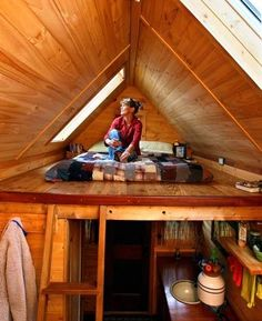 Tiny House Tiny Cabin Sleeping Loft - interior of dee williams' (of portland alternative dwellings) tiny house. Tiny House Loft, Tiny House Living, Tiny House Design, Micro House, Tiny House Movement, A Frame House, Sleeping Loft, Tiny Spaces, Little Houses