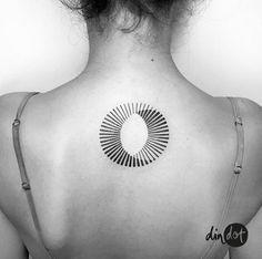 New Tattoo Geometric Lines Circles Trash Polka Ideas tattoo designs ideas männer männer ideen old school quotes sketches Dot Tattoos, Line Art Tattoos, Circle Tattoos, Neue Tattoos, Trendy Tattoos, Tatoos, Circle Tattoo Meaning, Trash Polka, Geometric Circle