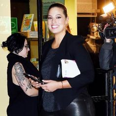 9 Plus-Size Style Lessons to Learn from Ashley Graham: Description: Study up on these nine plus-size style lessons from Ashley Graham. Shares Per Hour:Viral=754
