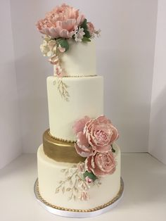 white and gold wedding cake with pink peonies Amazing Wedding Cakes, Elegant Wedding Cakes, Wedding Cakes With Flowers, Elegant Cakes, Wedding Cake Designs, Amazing Cakes, Gorgeous Cakes, Pretty Cakes, White And Gold Wedding Cake