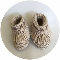 Nos Mocassins / Our Moccasins Moccasins, Baby Shoes, Slippers, Patterns, Clothes, Fashion, Native American Women, Types Of Shoes, Penny Loafers