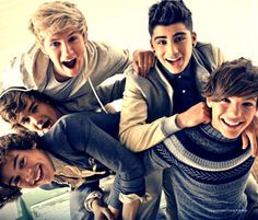 30. Favourite group pic? This is the cutest they all look so happy! <3