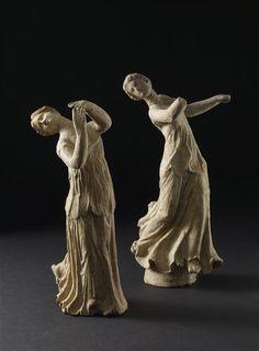Danseuses. Titre anglais : terracotta figures of a dancing girl. Période : 2e siècle av J.-C., 3e siècle av J.-C., Grèce antique (période). Lieu de découverte : Centuripe (origine). Royaume-Uni, Londres, British Museum
