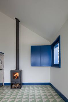 9 ways to decorate your living room if you love the colour blue (From Amy Tocknell)
