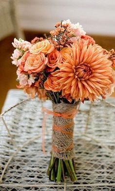 dalie fall wedding bouquet / http://www.himisspuff.com/fall-wedding-bouquets-for-autumn-brides/3/