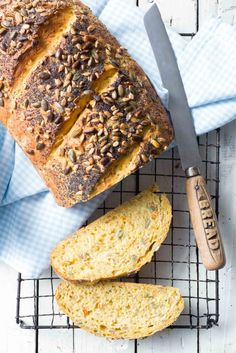 This Thermomix Carrot and Seed Bread is the perfect sandwich base for the whole family. Very easy to prepare and contains rye flour for added flavour. Bread Recipes, Snack Recipes, Snacks, Savoury Recipes, Cooking Recipes, Chorizo Breakfast, Thermomix Bread, Light Soups, Seed Bread