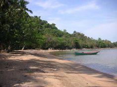 Praia em Kep, Camboja