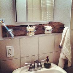 Création pratique pour salle de bain. Pot masson et planche de grange.