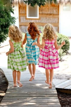 Big bows on little girl dresses sisters kids fashion, three Little Girl Dresses, Little Girls, Girls Dresses, Summer Dresses, Girls Frocks, Matilda, Best Friends Forever, Madame, Matching Outfits