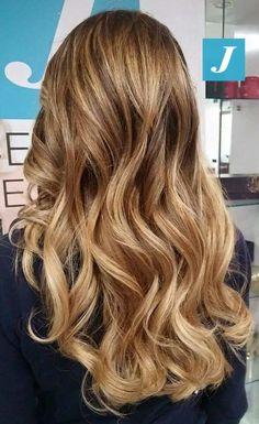 C'è biondo e biondo...e poi c'è l'originalità del Degradé Joelle! #cdj #degradejoelle #tagliopuntearia #degradé #igers #musthave #hair #hairstyle #haircolour #haircut #longhair #ootd #hairfashion