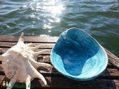 Tengerkék hullámtál (Foenx) - Meska.hu Beach House Decor, Home Decor, Ceramics, Fish, Sea, Homemade Home Decor, Ceramica, Ceramic Art, Clay Crafts