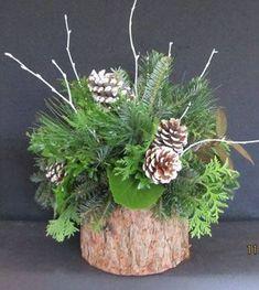 Christmas pinecones and greenery Christmas Flower Arrangements, Christmas Greenery, Holiday Centerpieces, Christmas Flowers, Rustic Christmas, Xmas Decorations, All Things Christmas, Christmas Holidays, Christmas Wreaths