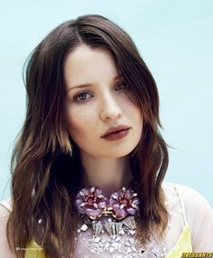Emily Browning Photos - Emily Browning Picture Gallery 2