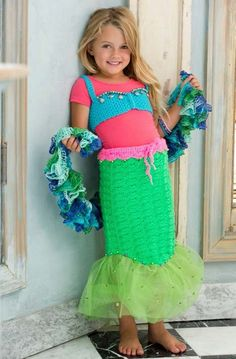 Petite Mermaid Costume in Red Heart Super Saver Jumbo Solids - Free PDF crochet pattern.