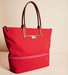 #engravabledaytripper #giftsforher #stelladotstyle Commuter Bag, Stella And Dot Jewelry, Online Collections, Jewelry Party, Leather Handle, Red And Pink, Pink Color, Gifts For Her, Fashion Jewelry