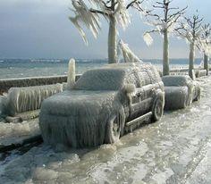 SUV sous la glace #voiture #automobile #givre #hiver #froid #polaire #glace #glaciale #winter #ice #quartierdesjantes Quartierdesjantes.com