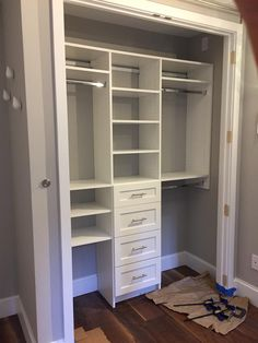 Reach-in closet design A typical three section reach-in closet with white shakers style drawers Reac Small Closet Design, Bedroom Closet Design, Small Closets, Room Ideas Bedroom, Closet Designs, Small Closet Organization, Closet Storage, Closet Organizer With Drawers, Organizing