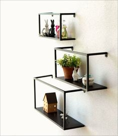 The Best Plant Stand Ideas – Knitting And We Metal Shelves, Wall Shelves, Floating Shelves, Shelving, Cool Plants, Metal Furniture, Plant Decor, Bookshelves, Houses