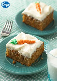 The secret to this Carrot Sheet Cake recipe from Inspired Gathering? Adding in a hint of orange citrus flavoring to this spring dessert! You can even top each piece with an adorable frosting carrot. Spring Desserts, Köstliche Desserts, Delicious Desserts, Dessert Recipes, Yummy Food, Spring Recipes, Frosting Recipes, Cupcake Recipes, Cookie Recipes