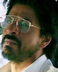 Raees Srk, Indiana, Indian Star, King Of Hearts, Face Photo, Bollywood Stars, Robert Downey Jr, Film Industry, Shahrukh Khan