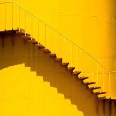 yellow, aesthetic, and stairs Bild Yellow Theme, Yellow Art, Theme Color, Yellow Walls, Pastel Yellow, Shades Of Yellow, Mellow Yellow, Bright Yellow, Mustard Yellow