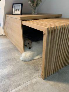 was eine coole Bude für den Hund. Hier fühlt sich auch der Labrador pudelwohl. muckelig, stylisch und der perfekte Rückzugsort für den Hund #Hundehütte #Hundebox #Schlafbox #Schlafplatz für Hunde #Moderner Hund Hotel Pet, Puppy Room, Dog Crate Furniture, Diy Dog Crate, Dog Spaces, Dog Area, Animal Room, Dog Rooms, Woodworking Furniture