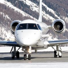 "Gefällt 72 Mal, 0 Kommentare - Bruno Lauper (@brunoboeing787) auf Instagram: ""Legacy 600 Embraer... Takeoff at St. Moritz Engadin Airport 10.01.2021 • Full Video OUT NOW on…"" St Moritz, Aviation, Aircraft, Instagram, Vehicles, Airplane, Airplanes, Car, Planes"