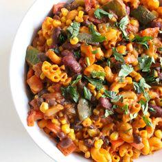 I Made It: Vegetarian Chili Mac & Cheese Vegetarian Mac And Cheese, Vegetarian Quinoa Chili, Chili Mac And Cheese, Vegetarian Pasta Recipes, Macaroni And Cheese, Vegan Pasta, Cheesy Pasta Recipes, Mac Cheese Recipes, Banza Chickpea Pasta