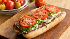 Sous-marin au steak et fromage style Subway Steak And Cheese Sub, Beef Recipes, Low Carb Recipes, Cooking Recipes, Steak Wraps, Steak Sandwich Recipes, Ideas Sándwich, Wrap Sandwiches, Pizza
