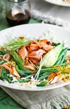 Low FODMAP and Gluten Free Recipe - Steamed salmon & veg rice bowl - http://www.ibssano.com/low_fodmap_recipe_steamed_salmon_veg_rice_bowl.html