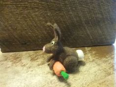 Gins felted rabbit 2070
