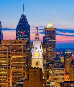 Photo of the Day: William Penn Statue Presides Over the Philadelphia Skyline Philadelphia Skyline, William Penn, Empire State Building, American History, Big Ben, Presidents, Things To Do, Tourism, Beautiful Places