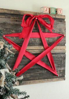 wanddeko Weihnachtssterne basteln vorlagen kinder rot band