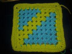 Granny square ideas Pot Holders, Blanket, Granny Squares, Patterns, Ideas, Farmhouse Rugs, Throw Pillows, Tricot, Block Prints