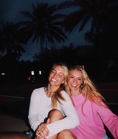 This could literally be me and my BFF 👌🏼😁 Photos Bff, Best Friend Photos, Best Friend Goals, Cute Photos, Cute Friend Pictures, Cute Bestfriend Pictures, Gal Pal, Cute Friends, Summer Photos