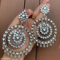 Tribal Jewelry, Indian Jewelry, Boho Earrings, Earrings Handmade, Types Of Earrings, Earring Tutorial, Silver Accessories, Semi Formal Attire, Casual Attire