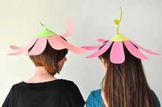 Paper Flower Party Hats, via Oh Happy Day! Crazy Hat Day, Crazy Hats, Paper Hat Diy, Paper Hats, Easter Hat Parade, Diy For Kids, Crafts For Kids, Funky Hats, Silly Hats
