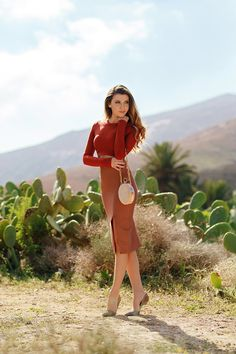 In a cactus oasis wearing a rusty and nude set from @MyBandageDress and sparkling stilettos from today on my blog: http://larisacostea.com/2017/02/cactus-oasis/