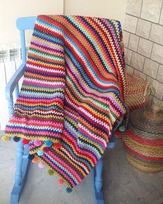 Crochet V-Stitch blanket, see pompoms. Crochet Afghans, Crochet Motifs, Knit Or Crochet, Crochet Blanket Patterns, Learn To Crochet, Baby Blanket Crochet, Crochet Crafts, Crochet Stitches, Scrap Crochet