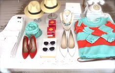 front table, aqua, coral, style, blushshop, inside blush, merchandising, summer, fedoras, white sunnies,
