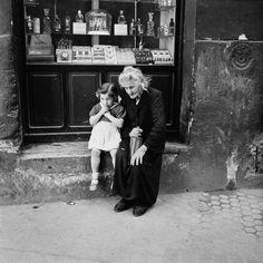 Abuela y niña /España (1956)-Bill Perlmutter-