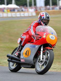 Vintage GP MV Augusta at Goodwood Festival of Speed Hillclimb Grand Prix, Goodwood Fos, Goodwood Festival Of Speed, Mv Agusta, Moto Bike, Racing Motorcycles, Motor Sport, Valentino Rossi, Vintage Bikes
