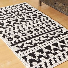 Crocheted rug. OHJE: Folkki-matto