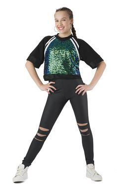 Dancewear to bounce schools, employees, dancers; specialist and starters. Hip Hop Dancer Outfits, Dance Outfits, Hip Hop Costumes, Cute Dance Costumes, Kpop Costume, Sport Fashion, Fashion Outfits, Unicorn Fashion, Dance Shirts