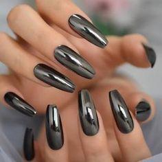 Metallic Nails, Silver Nails, Silver Glitter, Black Silver, Cute Nails, Pretty Nails, Black Chrome Nails, Chrome Nails Designs, Acrylic Nail Tips